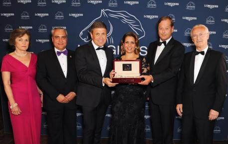HRH Princess Haya Al Hussein was presented with the prestigious Longines Ladies Award by Longines Vice Presidents Juan-Carlos Capelli (left of Princess Haya) and Charles Villoz (right) at a ceremony held in the Great Hall of Hampton Court Palace (GBR). Also pictured are the awards jury (from left) Nathalie Bélinguier, President of the International Federation of Gentleman and Lady Riders, FEI President Ingmar De Vos and Louis Romanet, Chairman of the International Federation of Horseracing Authorities.