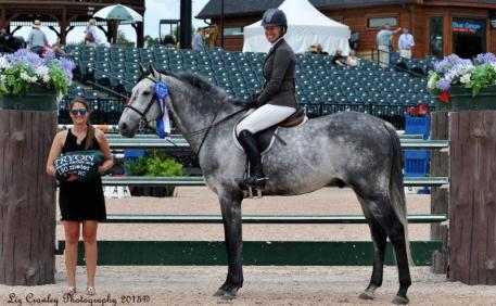 Schuyler Riley in the presentation ceremony with Sponsorship Manager Samantha Halperin (Photo: ©LizCrawleyPhotography)