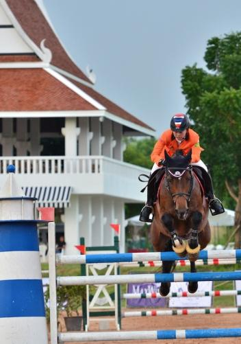 Thailand's Siengsaw Lertratanachai won the FEI World Cup™ Jumping 2014/2015 South East Asia League. (FEI/horsemovethailand.com)