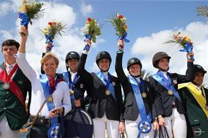 The winning U.S. Junior Rider Team (Sportfot)