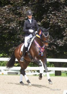 Heather Blitz and Ripline took the Markel/USEF 6-Year-Old Championship (Photo: Carolynn Bunch Photography)