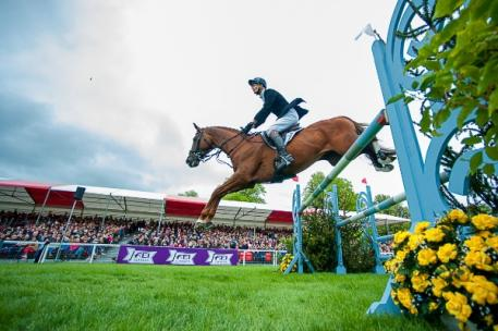 William Fox-Pitt (GBR) and the stallion Chilli Morning make history by winning the Mitsubishi Motors Badminton Horse Trials, fourth leg of the FEI Classics™ 2014/2015. (Jon Stroud/FEI)