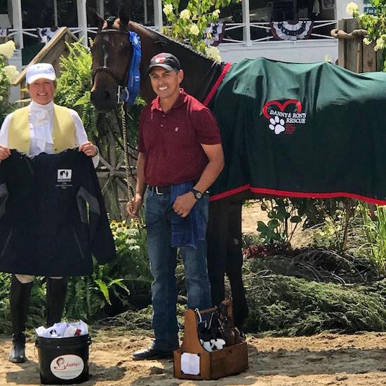 class_sponsor_missy_luczak-smith_with_winner_jose_aguilar_and_fearless_owned_by_emily_durlach._photo_by_sally_floyd_kay.jpg