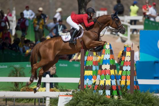 Lucy Davis and Barron produced one of the three clear rounds that ensured Team USA shared the lead after the first round of Team Jumping at Deodoro Olympic Park in Rio de Janeiro (BRA) today. (Dirk Caremans/FEI)