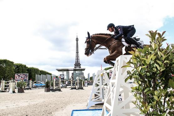 Lorenzo De Luca (ITA) riding Halifax van het Kluizebos during the Price Massimo Dutti Eiffel Challenge, Global Champions Tour at Paris on July 02nd, 2017 in Paris, France.