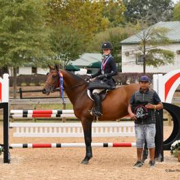 Grace Debney of Hampden, MA, in the 13 & 14-Year-Old Equitation Section B (Photo: Shawn McMillen Photography)