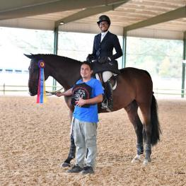 Jordan Allen of West Bloomfield, MI, in the 17-Year-Old Equitation (Photo: Shawn McMillen Photography)