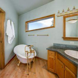 18_Master Bathroom_21017 Eagle Feather Ln_Elbert_CO_80106
