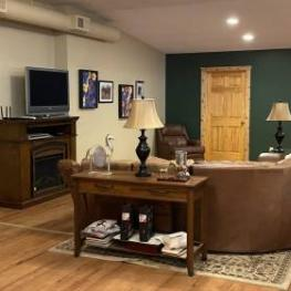 8_Viewing Lounge_E_8765 68th St._Stillwater_MN 55082