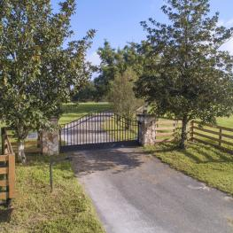 25. Gated Entry _a_1001 NE 105th Ln_Anthony_FL_32617