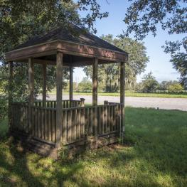 28. Gazebo_b_1001 NE 105th Ln_Anthony_FL_32617