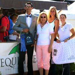 From left to right, Gary Yeager, Michele Hundt and Krystalann Shingler of ShowChic, and Kelli Molinari of Equiline during the presentation of the ShowChic Turnout Award at the 2014 Nations Cup