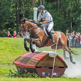 Andreas Dibowski and It's Me XX take the lead after Cross Country at Luhmühlen (GER), penultimate leg of the FEI Classics™ 2015/2016