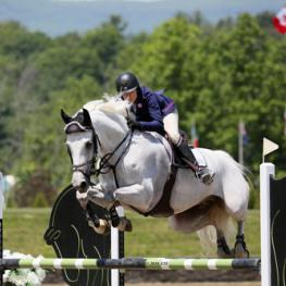 Heather Caristo-Williams and Cosmopolitan 30 on their way to a $10,000 Brook Ledge Open Welcome win.