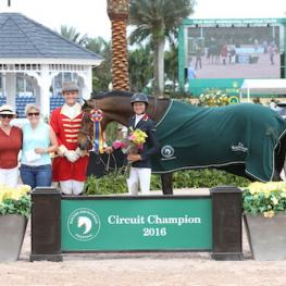 Laura Chapot, pictured here in her Illustrated Properties 1.40m Jumper Circuit Champion presentation, was the WEF Overall Jumper Rider, sponsored by Osphos.