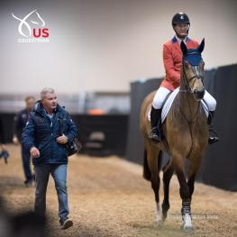 Lee McKeever walks to the warm-up ring with McLain Ward and HH Azur (Shannon Brinkman Photo)