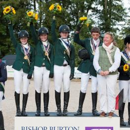 Ireland claimed team gold for the second year in succession at the FEI European Eventing Championships for Juniors 2014 at Bishop Burton College in Yorkshire, Great Britain today.  L to R - Lucy Latta, Susie Berry, Nessa Briody, Cathal Daniels who also claimed Individual silver, and Chef d'Equipe Debbie Byrne. Photo: FEI/Adam Fanthorpe.
