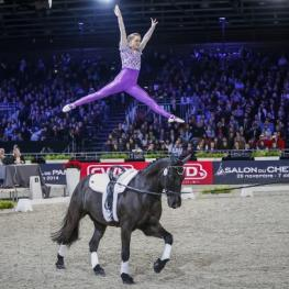 World champion Joanne Eccles (GBR) captivated crowds at the FEI World Cup™ Vaulting 2014/15 second qualifier at the Salon du Cheval in Paris where, on WH Bentley and lunged by her father John Eccles, she won the female individual competition and the Pas-de-Deux with her sister Hannah. (Eric Malherbe/FEI)