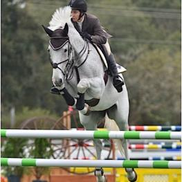 Laura Linback and HH Dauphin won the $15,000 Horseflight Open Welcome Week III