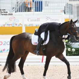 Steffen Peters gives Legolas 92 a well deserved hug. Photo: © Diana De Rosa
